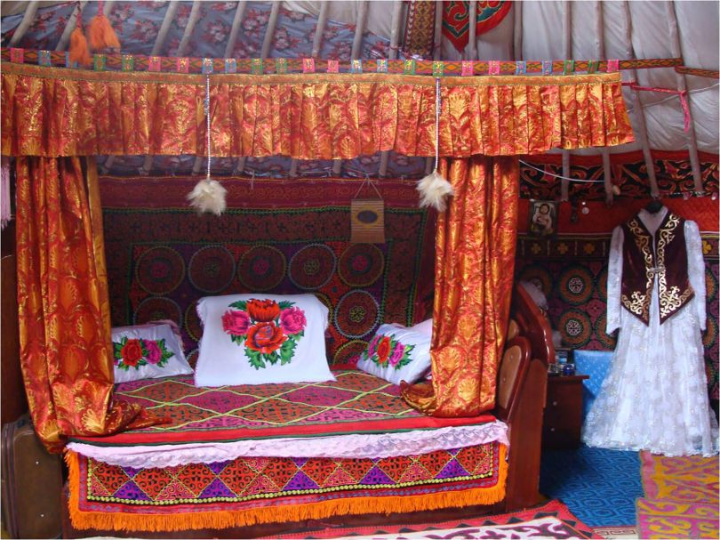 kazakh bed with bright colors
